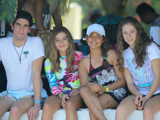 Santiago Loria, Adriana Muñiz, Andrea Macías y Valentina González