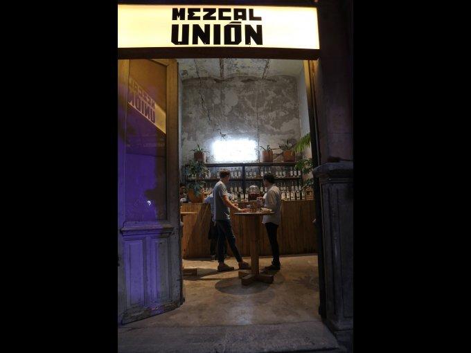 Mezcal Unión creó una barra especial, en la que ofreció coctelería