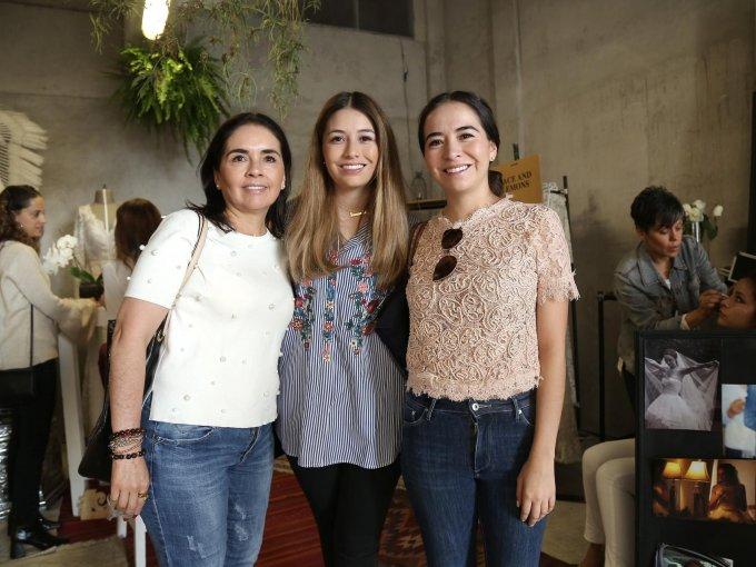 Nancy Pérez con María Fernanda y Nancy Zavala