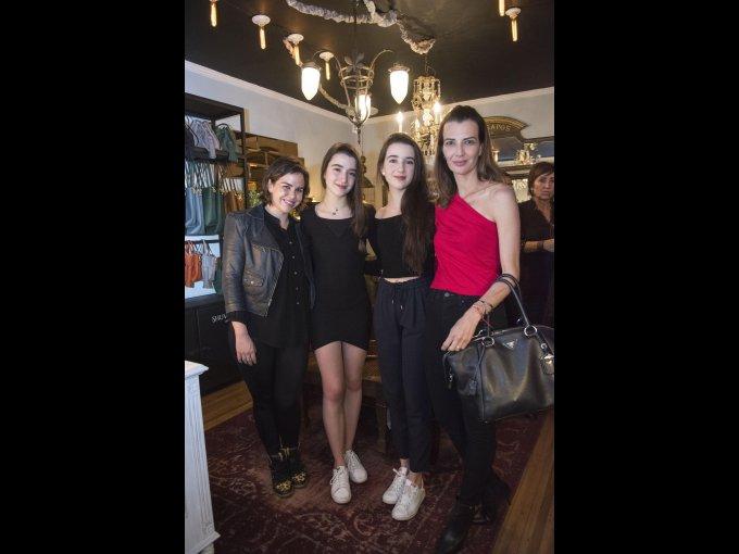 Paula Rendón, Paulina y Constanza Magallanes con Aline Bortoloti