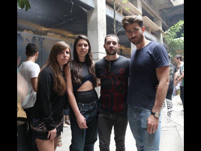 Lorena Saravia, Roxana Saravia, Patricio Campillo y Jake Santelli