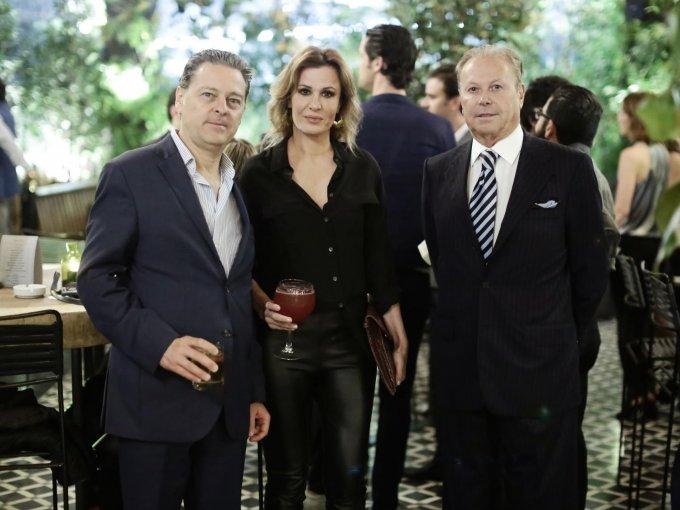 Jaime y Mónica Rivera Torres con Ricardo Henaine