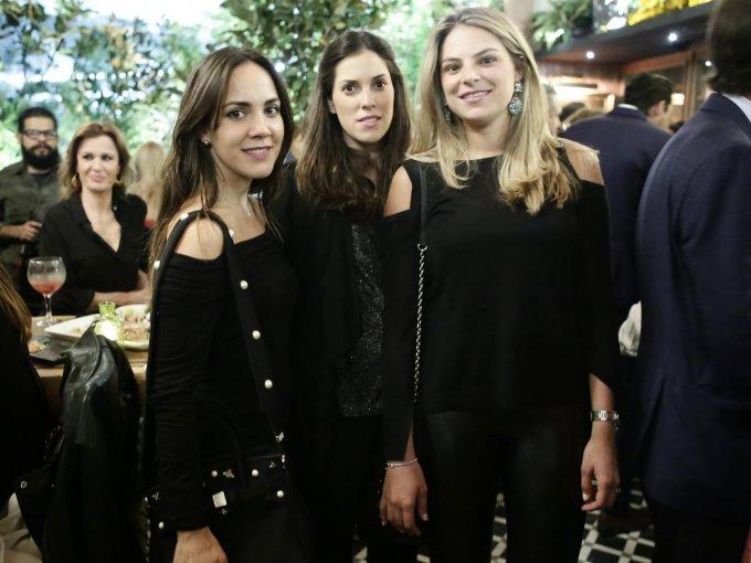 Isabel Ovejas, Mónica Noriega y Adriana de Antuñano