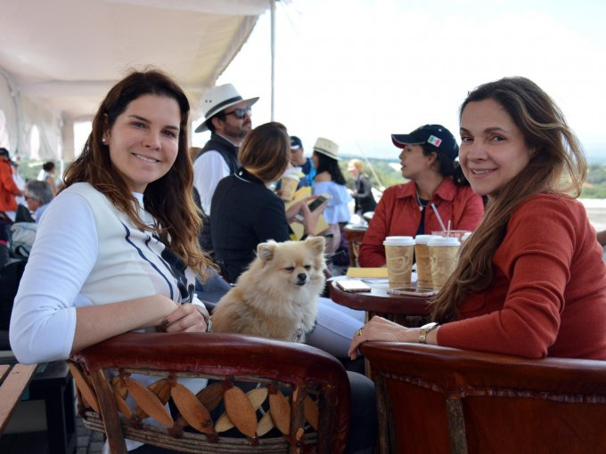 Paola Villanueva y Elisa Gerard
