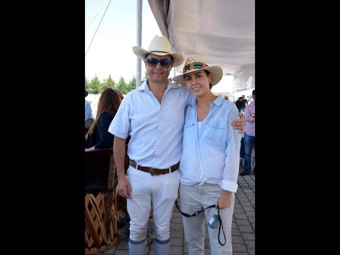 Hugo Islas y Cecilia Martínez