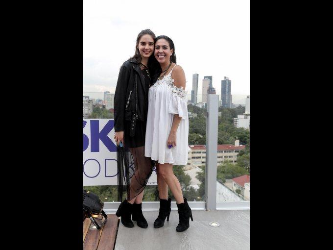 María y Andrea Ibarra