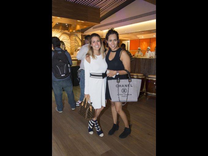 Paola Calzado y Melissa Vargas