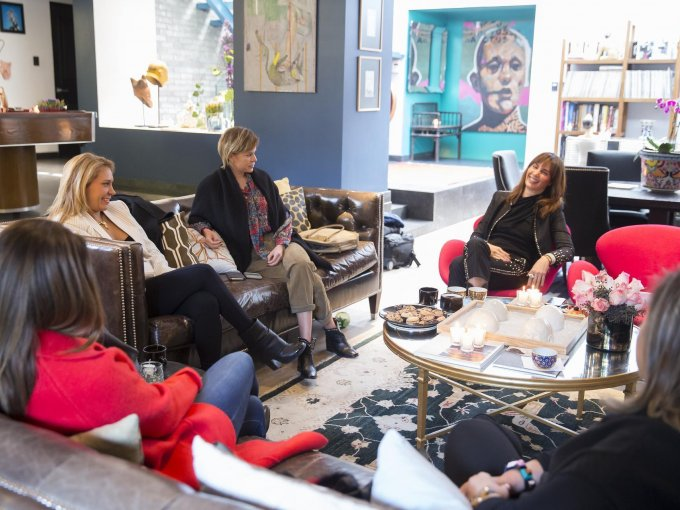 Martha Cristiana platicó con sus amigas sobre su proceso de creación