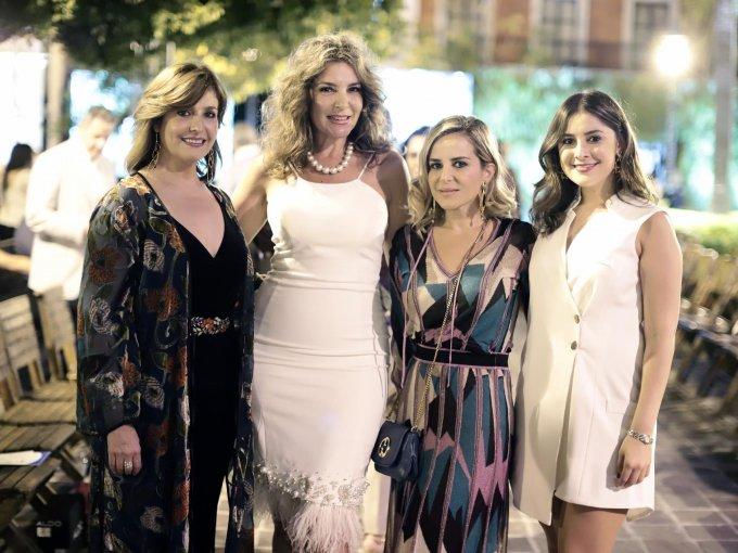María Teresa de Ruiz, María Dolores de Balderrama, Karla Hays y Romina Ruiz