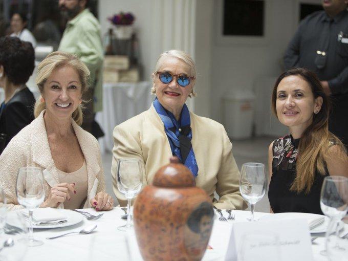 Mónica Fernández de Teresa, Enriqueta Loaeza y Virna Batarse de Cantú