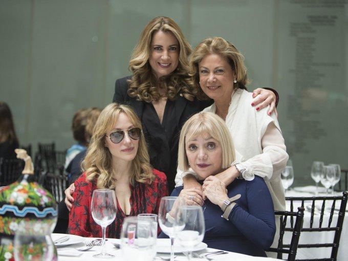 Karla Mawcinitt, Patricia Molina, Denise de la Rue y Malú Montes de Oca