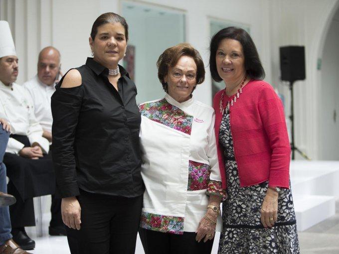 Sonya Santos, Susana Palazuelos y Cecilia Moctezuma