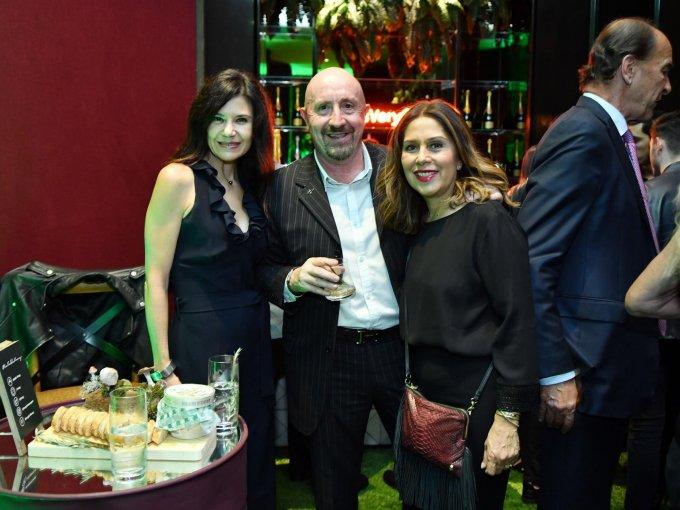 Sandra Fernández, Roberto Corradossi y Yanina Corradossi