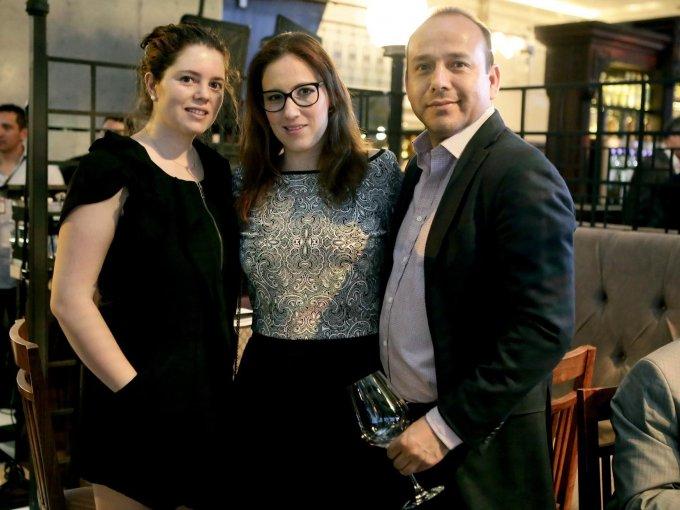 Mónica Rebolledo, Yvonne Garza y Perci Mourao