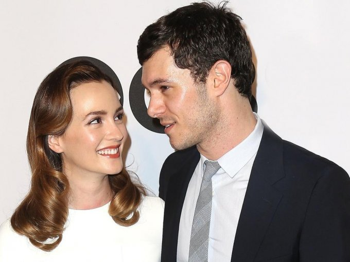 Adam Brody y Leighton Meester: Son amantes de la privacidad, pues no suelen mencionar nada acerca de su vida personal. 'Us Weekly' confirmó que la pareja había contraído matrimonio en febrero de 2014.