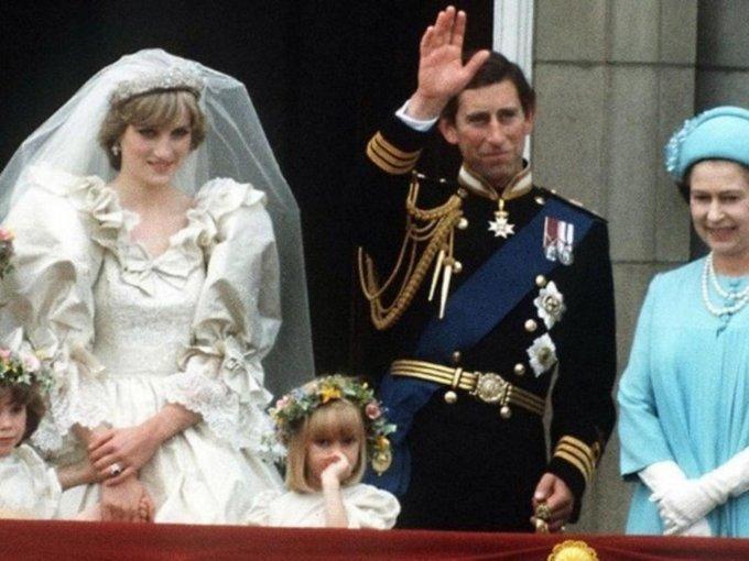 ¿Qué pasó para que la reina Isabel cambiara completamente de opinión?