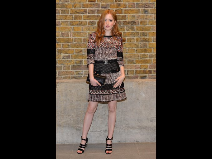 Ellie Bamber en Chanel, Londres