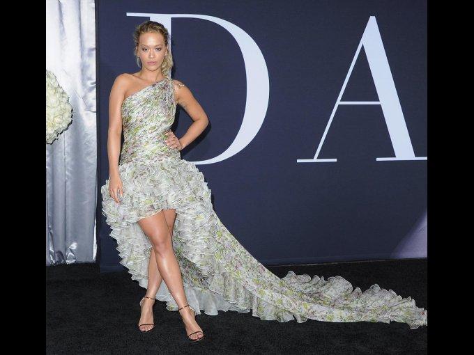 Rita Ora en Giambattista Valli, Los Angeles
