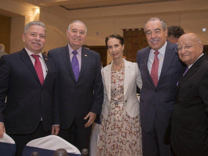 David Fernández, Valentín Díez Morodo, Amparo Espinosa Rugarcía, Óscar Peralta y Romualdo Vega