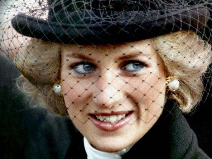 Bien se sabe que la princesa Diana antes de morir, disfrutaba del buen vivir. Algunos de sus pasatiempos favoritos era explorar nuevos sitios, asistir a galerías artísticas, ballet, entre otros. Aquí te mostramos algunos lugares en donde la princesa disfrutó al máximo sus últimos años de vida: