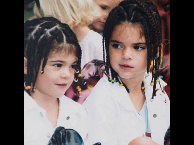 A todas nos hicieron ese peinado de niñas ¡hasta a Kylie y Kendall!