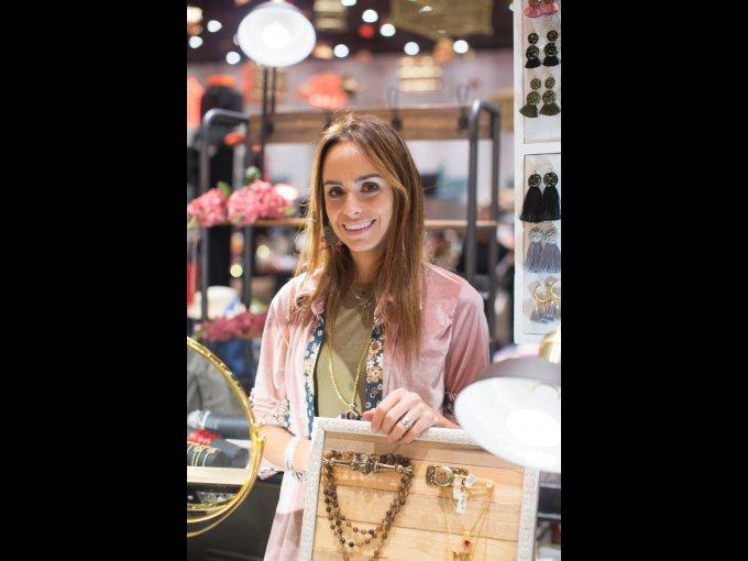 Mariana González presentó su firma Matalí Arte Boutique