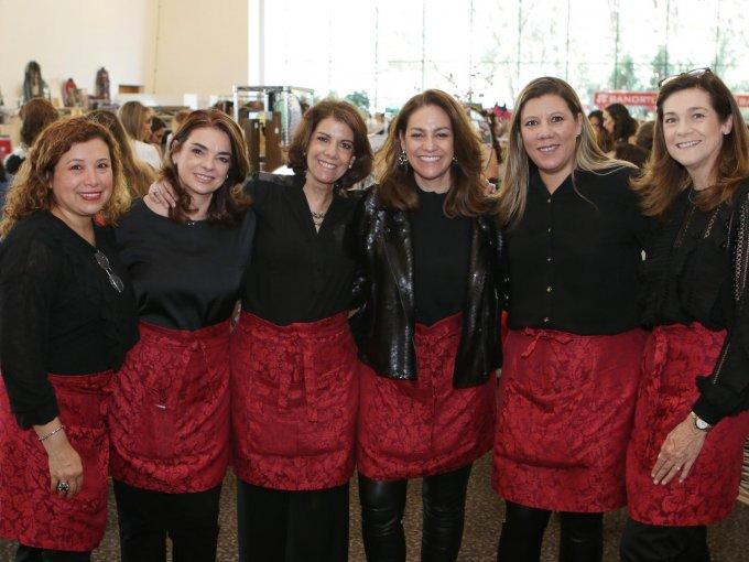 Rosy del Rivero, Ana Laura Sierra, Marisol Ocejo, Mara Sierra, Lulú Álvarez y Mayté Sierra