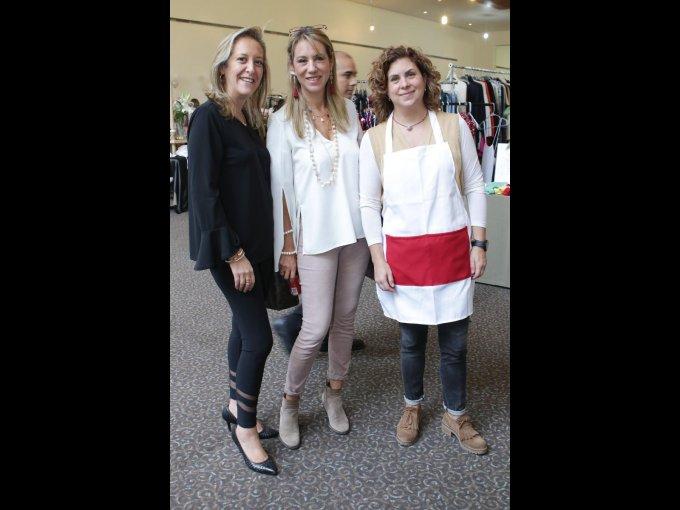 Alejandra Armendariz y Ana Paula Armendariz con Patricia Legorreta