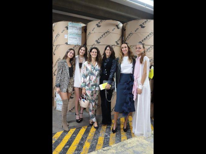 Alexandra Guindi, Mariana Olazabal, Sharon y Adriana Hans con Michelle Galante y Daniela Guindi