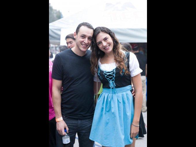 Ian Ball y Daniela Barragán