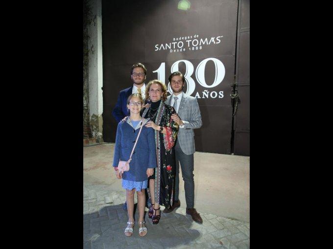 Sergio Hernández y Ramona Hernández con Ramona Cosío y Jerónimo Hernández