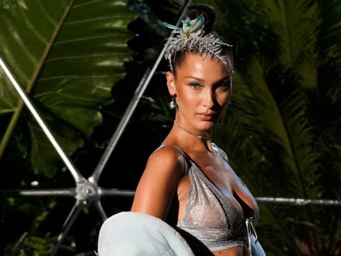 Rihanna destacó en New York Fashion Week con su pasarela de lencería Savage x Fenty. Una combinación de elegancia, sensualidad y body positive, ¡nos encanta!