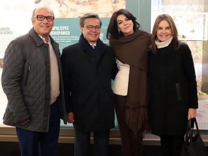 Jerónimo de la Macorra, Carlos y Mariana Peralta con Marinela Servitje