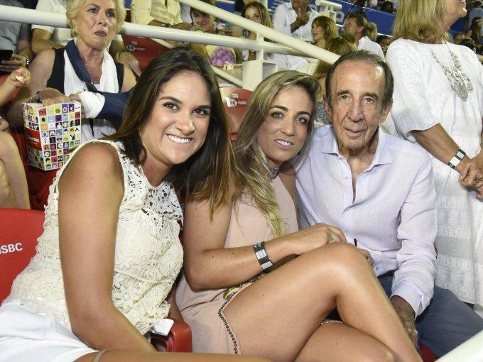 Cynthia Lara con Paula Arango y Manuel Arango