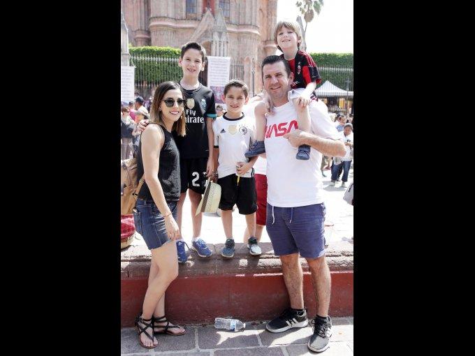 Ana López, Antonio López, Martín López, Antonio López y Diego López