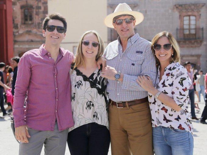 Paolo Cartagena, Florence Cartagena y Rodolfo Cartagena con Patricia Boillat