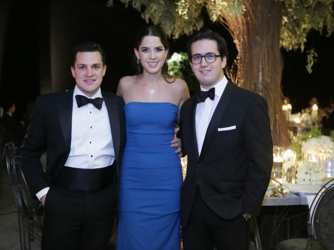 Roberto González, Macarena Garza y Gerardo Villar