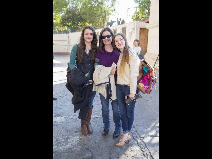 María Hubbard, Ángeles Díaz y Hannah Ozark