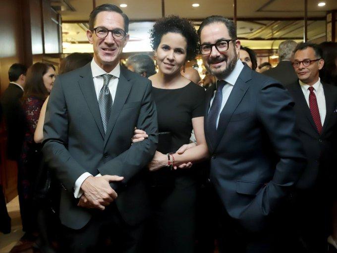 Juan Manuel Rosas con Mariana Arsuaga y Braulio Arsuaga