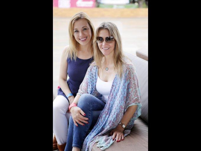 Sandra Cornejo y Esperanza Garay