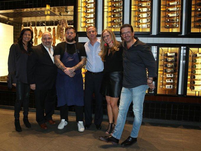 Fátima Pinhao, Ramón Orraca, el chef Paul Bentley, Luis Roca, Rocío Campos y Mario Villavela