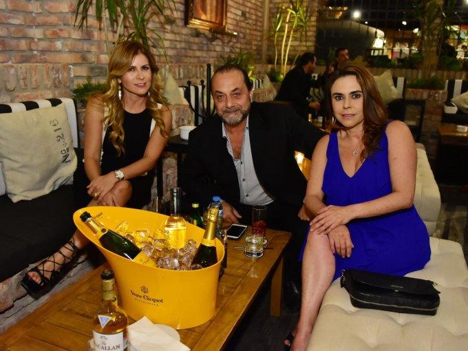 Patricia Ceballos, Víctor Hugo Sánchez y Luisa Mejido