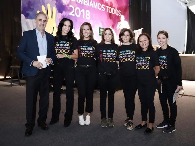 Joaquín Quintana, Mónica Aziz, Ivette Ortiz, Fernanda Ballesteros, Natasha Lemus, Bety Villa y Claudia Antor