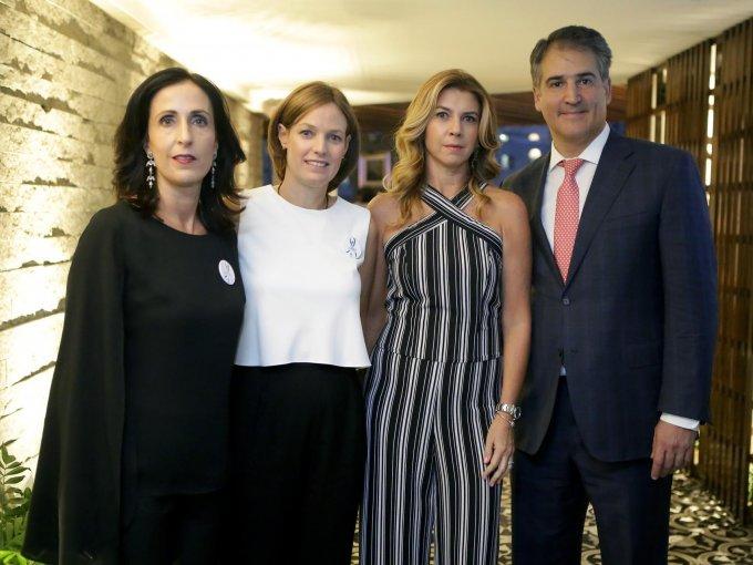 Constanza Linares, Victoria García Sáenz, Fernanda y Alejandro Grisi