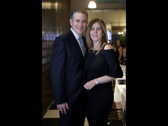 Eugenio Salinas y Gabriela Grisi