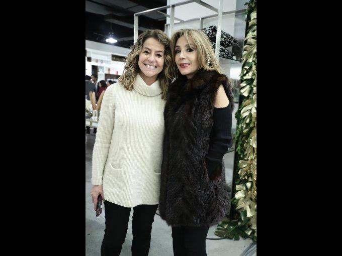 Marité Menéndez con Angélica Velasco