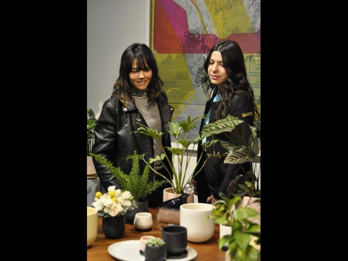 Olivia Flores y Vica Papuchi