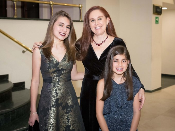Nicole Basila, Sally Basila y Michelle Basila