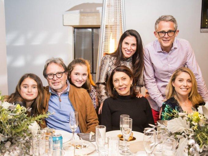 Marcela Romo, René Leandro, Magdalena Romo, Mariana Leandro, Gabriela Leandro, Edward Brine y Anabela Leandro