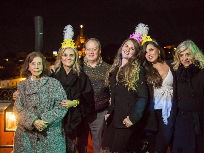 Alicia Oropeza, Ana Laura Villa, Ángel Carbajal, Ana Cristina Mellado, Gaby Mellado y Rosa Alicia Fernández